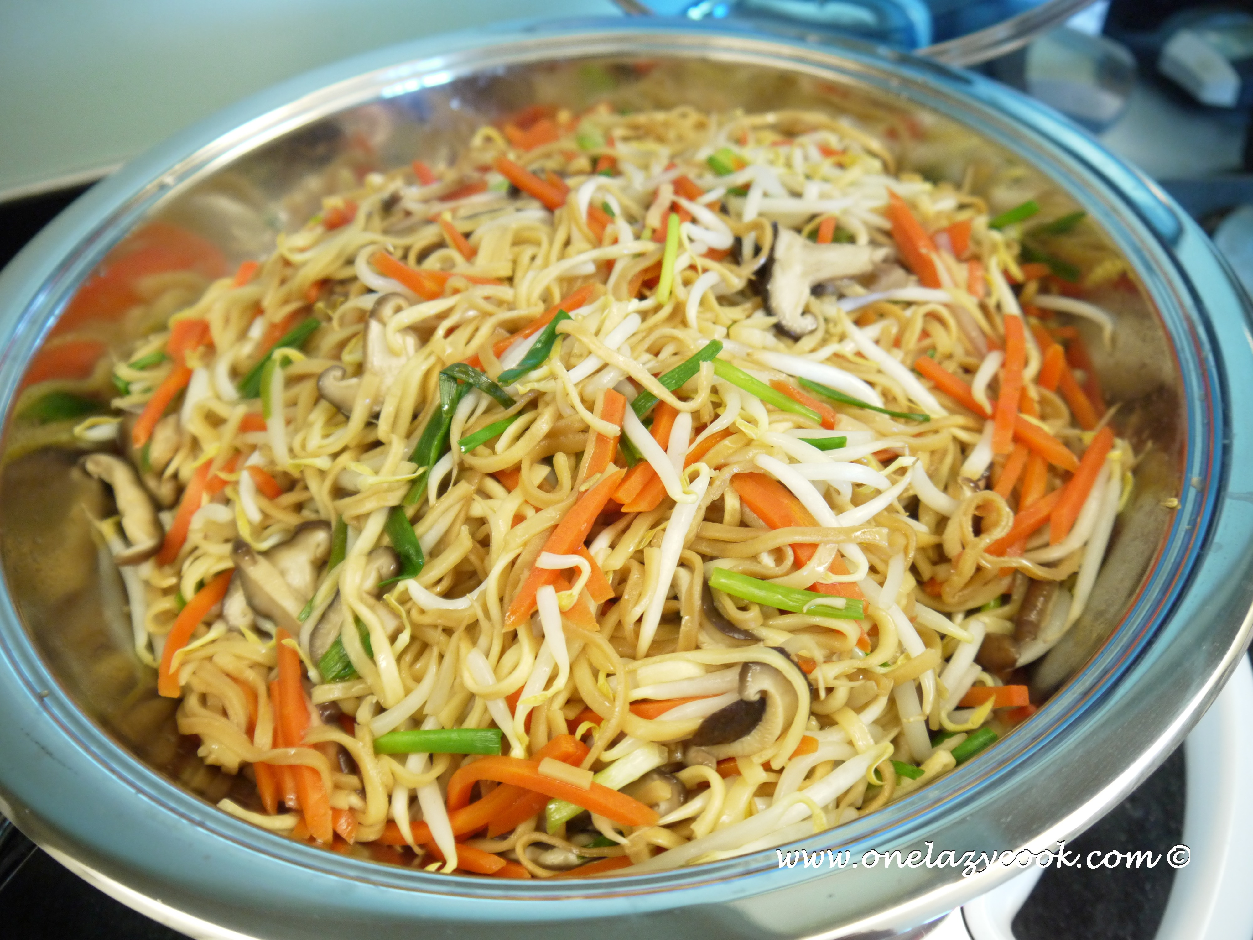 Stir Fried Vegetarian Noodles Without Additional Fats One Lazy Cook
